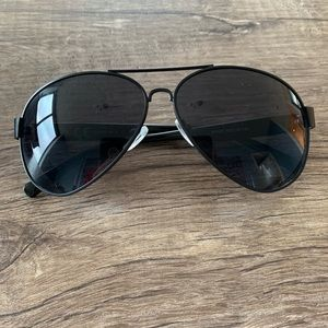 Accessories - Black aviators sunglasses